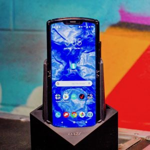 Unboxing the Motorola Razr: Take a peek inside this foldable phone's box